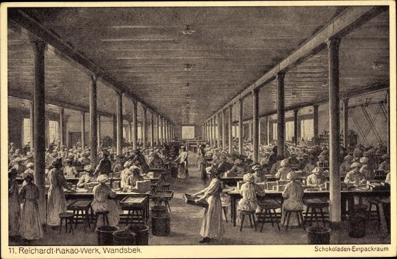 Ak Hamburg Wandsbek, Reichardt Kakao Werk, Arbeiterinnen im Schokoladen-Einpackraum