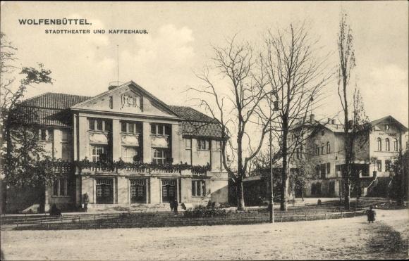 Ak Wolfenbüttel in Niedersachsen, Stadttheater und Kaffeehaus, Straßenpartie