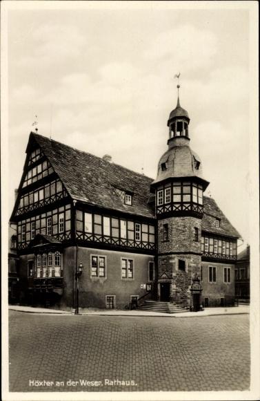 Ak Höxter in Nordrhein Westfalen, Das Rathaus, Straßenansicht, Fachwerk