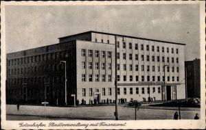 Ak Gdynia Gotenhafen Pommern, Stadtverwaltung mit Finanzamt, Straßenansicht