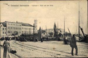 Ak Świnoujście Swinemünde Pommern, Fischmarkt und Blick nach dem Hafen