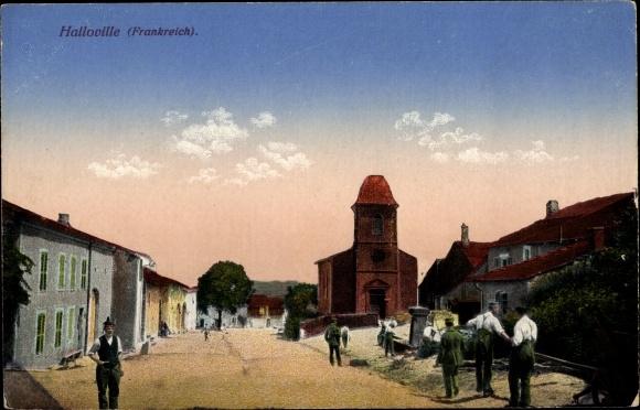 Ak Halloville Lothringen Meurthe et Moselle, Straßenpartie mit Kirche, Deutsche Soldaten in Uniform