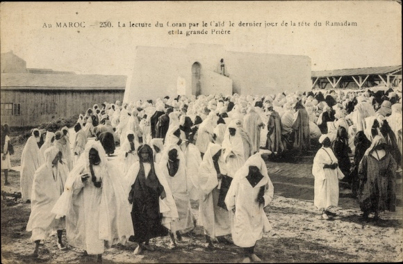 Ak Marokko, Lecture du Coran par la Caid le dernier jour de la fête du Ramadam et la grande Priére
