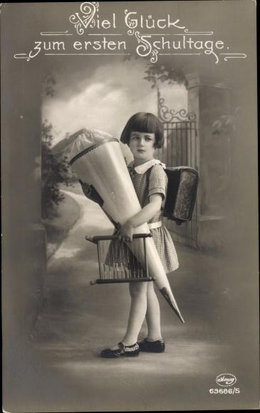 Ak Glückwunsch Einschulung, Mädchen mit Zuckertüte, AMAG 63686/5