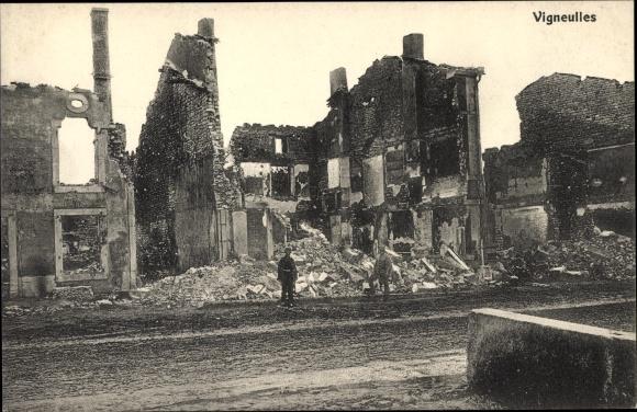 Ak Vigneulles lès Hattonchâtel Lothringen Meuse, Hausruinen, Kriegszerstörungen, I. WK