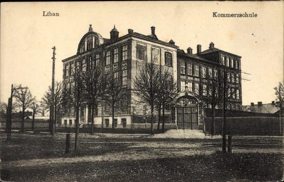 Ak Liepaja Libau Lettland, Blick auf die Kommerzschule