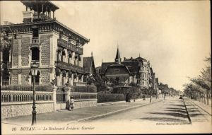 Ak Royan Charente Maritime, Le Boulevard Frédéric Garnier, Straßenpartie im Ort
