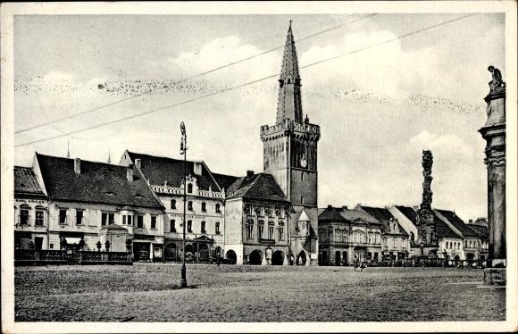 Ak Kadaň Kaaden Reg. Aussig, Blick über den Marktplatz zum Rathaus
