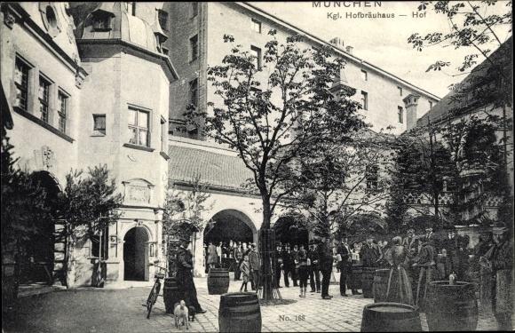 Ak München in Bayern, königliches Hofbräuhaus, Ansicht vom Hof
