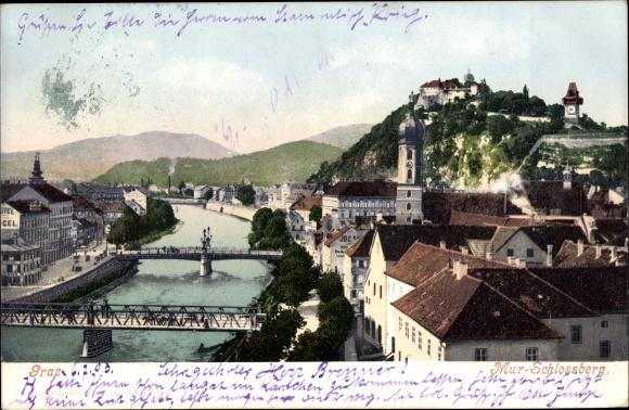 Ak Graz Steiermark, Murpartie mit Brücken, Blick zum Schlossberg, Uhrturm
