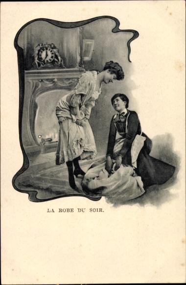 Passepartout Ak La Robe du Soir, Frau zieht sich an, Dienstmagd, Kaminuhr
