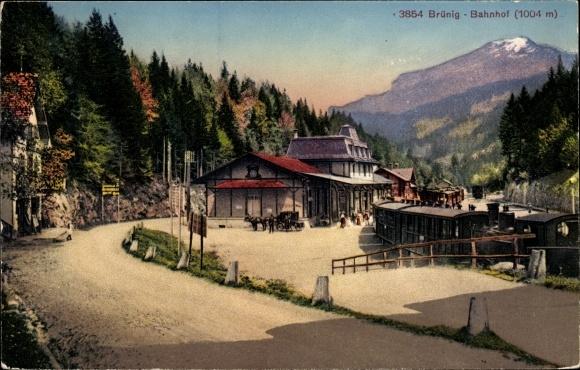 Ak Meiringen Kt. Bern Schweiz, Partie am Brünig Bahnhof
