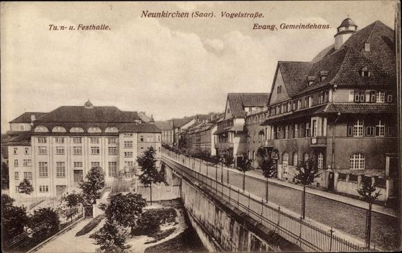 Ak Neunkirchen im Saarland, Vogelstraße, Ev. Gemeindehaus, Turn- und Festhalle