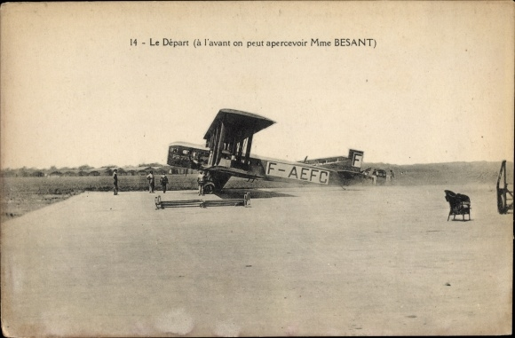 Ak Le Départ, à l'avant on peut apercevoir Mme Besant, F-AEFC
