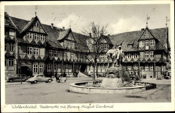 Ak Wolfenbüttel in Niedersachsen, Stadtmarkt mit Herzog August Denkmal