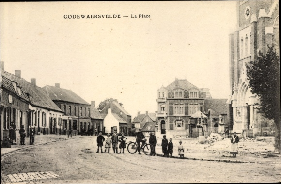 Ak Godewaersvelde Nord, La Place, Straßenpartie im Ort