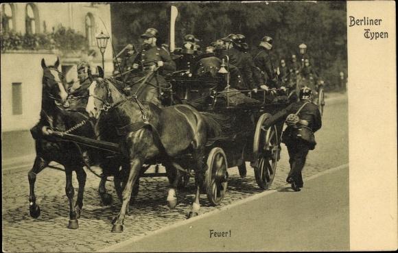 Ak Berliner Typen, Feuerwehr, Einsatzwagen, Pferdewagen