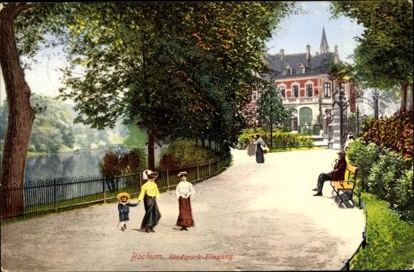 Ak Bochum im Ruhrgebiet, Blick in die Stadtpark, Eingang, Besucher