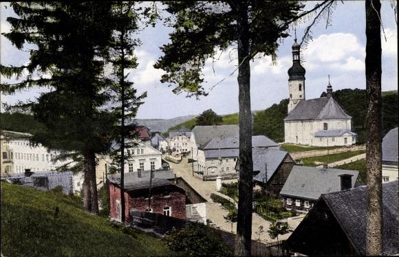 Ak Brtníky Zeidler Staré Křečany Alt Ehrenberg Reg. Aussig, Straßenpartie in Ortschaft, Kirche