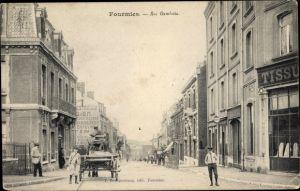 Ak Fourmies Trieux Nord, Rue Gambetta, Straßenpartie in der Stadt
