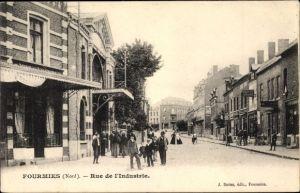 Ak Fourmies Trieux Nord, Rue de l'Industrie, Straßenansicht
