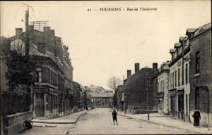 Ak Fourmies Trieux Nord, Rue de l'Industrie, Chaussures, Straßenansicht