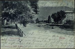 Mondschein Ak Meran Merano Südtirol, Giselapromenade, Straßenpartie am Flussufer