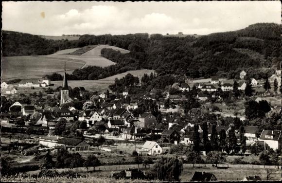 Ak Overath in Nordrhein Westfalen, Blick auf den Ort mit Umgebung