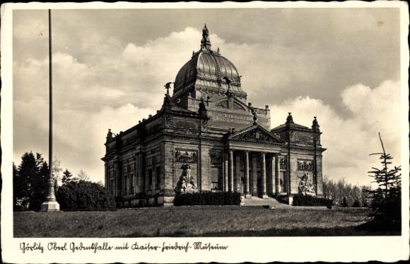 Ak Görlitz in der Lausitz, Gedenkhalle mit Kaiser Friedrich Museum