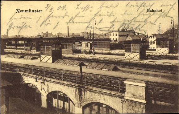 Ak Neumünster in Schleswig Holstein, Bahnhof, Gleisseite