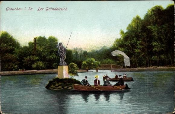 Ak Glauchau in Sachsen, Ruderpartie auf dem Gründelteich, Statue