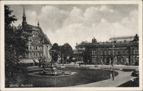 Ak Görlitz in der Lausitz, Blick auf den Postplatz, Brunnen