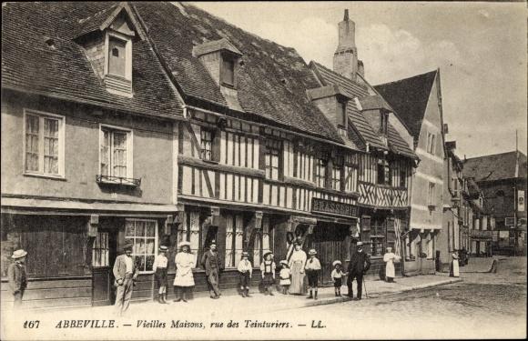 Ak Abbeville Somme, Vieilles Maisons, rue des Teinturiers, Straßenpartie, Fachwerkhäuser