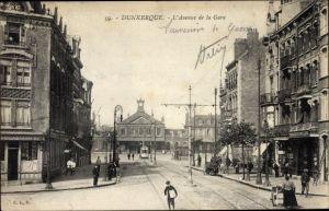Ak Dunkerque Nord, Avenue de la Gare, Blick zum Bahnhof, Straßenseite, Straßenbahn