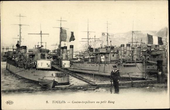 Ak Toulon Var, Französische Kriegsschiffe, Voltigeur, Contre Torpilleurs au petit Rang, Seemann