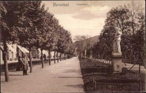 Ak Mariánské Lázně Marienbad Reg. Karlsbad, Partie in der Kaiserstraße