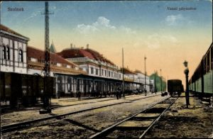 Ak Szolnok Sollnock Ungarn, Vasuti palyaudvar, Bahnhof, Gleisseite