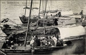Ak Hongkong China, Jonques chinoises, Dejeuner chinois, Chinesische Familie, Hausboot