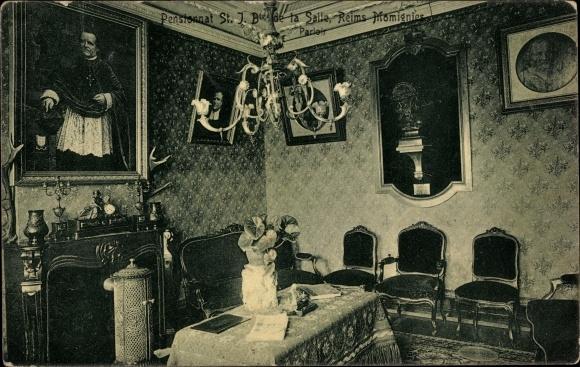 Ak Reims Marne, Pensionnat St. Jean Baptiste de la Salle, Parloir, Gemälde, Kamin, Kaminuhr