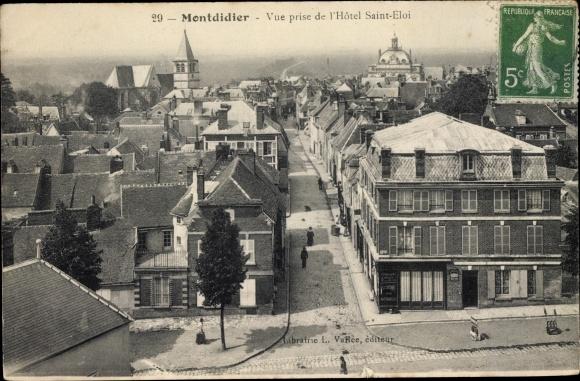 Ak Montdidier Somme, Vue prise de l'Hotel Saint Eloi, Teilansicht der Ortschaft, Kirche