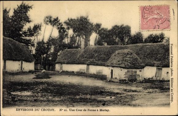Ak Morlay Crotoy environs Somme, Une Cour de Ferme, Blick auf einen Bauernhof