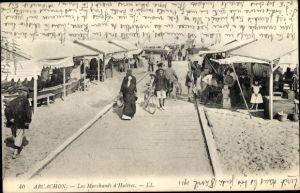 Ak Arcachon Gironde, Les Marchands d'Huitres, Austernhändler am Strand, Verkaufsstände