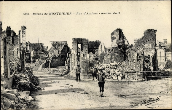 Ak Montdidier Somme, Rue d'Amiens, Hausruinen, Kriegszerstörungen, I. WK