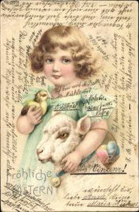 Prägen Litho Glückwunsch Ostern, Mädchen mit Lamm und Küken, Korb mit Ostereiern
