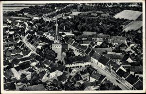 Ak Stadt Prettin Annaburg in Sachsen Anhalt, Fliegeraufnahme vom Ort