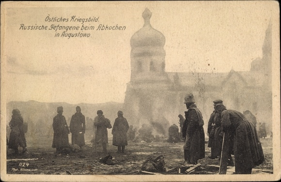 Ak Augustowo Augustów Masuren Polen, Russische Gefangene bei Abkochen