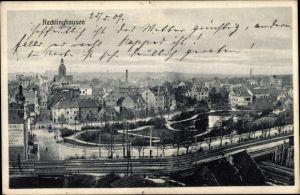 Ak Recklinghausen im Ruhrgebiet, Blick auf die Stadt mit Eisenbahnstrecke