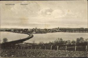 Ak Ratzeburg in Schleswig Holstein, Panorama vom Ort mit Umgebung