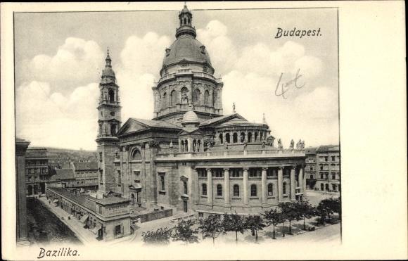Ak Budapest Ungarn, Bazilika, Blick auf eine Basilika, Stadtansicht, Straßenpartie