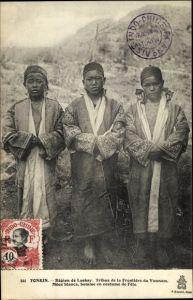 Ak Tonkin Vietnam, Région de Laokay, Méos blancs, homme en costume de Fete